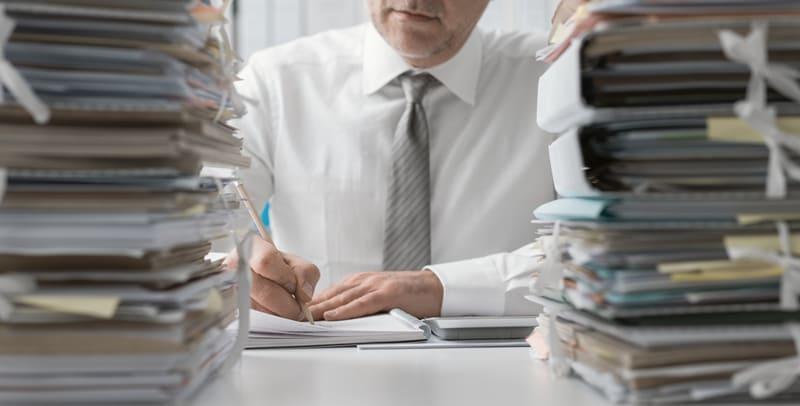 Wyprowadzanie zaleglosci rachunkowo-podatkowych i kontrola ksiag